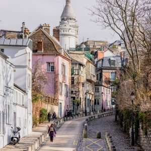 This free guide to Montmartre lists the most popular things to do in the 18th arrondissement. Discover hidden Belle Epoque cafes, vineyards and peaceful museums off the beaten track.